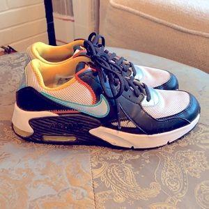 5y Nike Airmax Sneakers